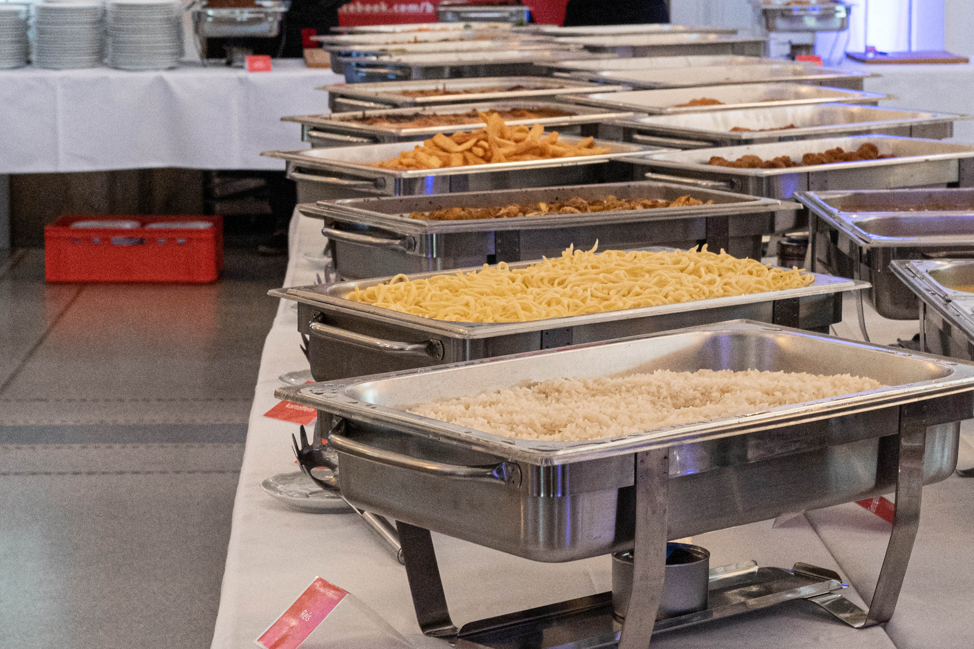 Beilagen: Reis, Spätle, Kartoffeln, uvm.